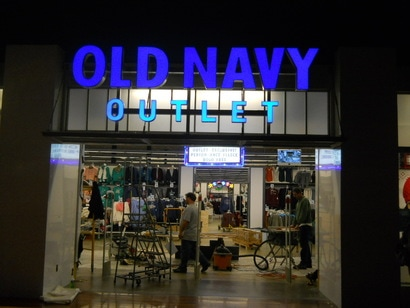 Old Navy Outlet Sign-Mid-Atlantic Permitting Services, LLC